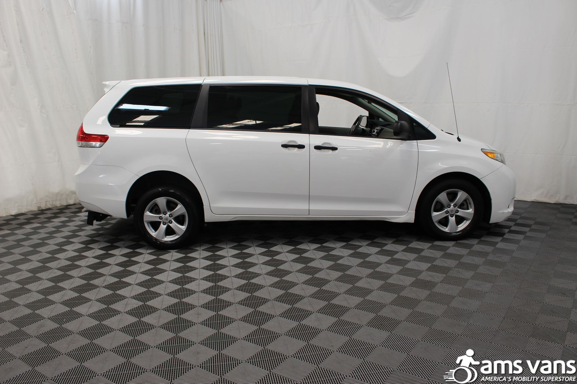 2013 Toyota Sienna L Wheelchair Van For Sale #9