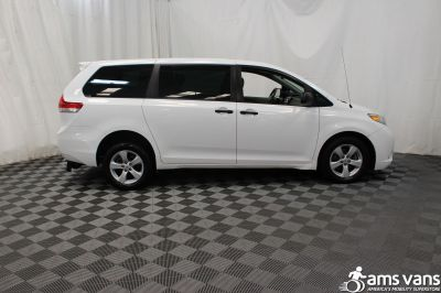 2013 Toyota Sienna Wheelchair Van For Sale -- Thumb #9