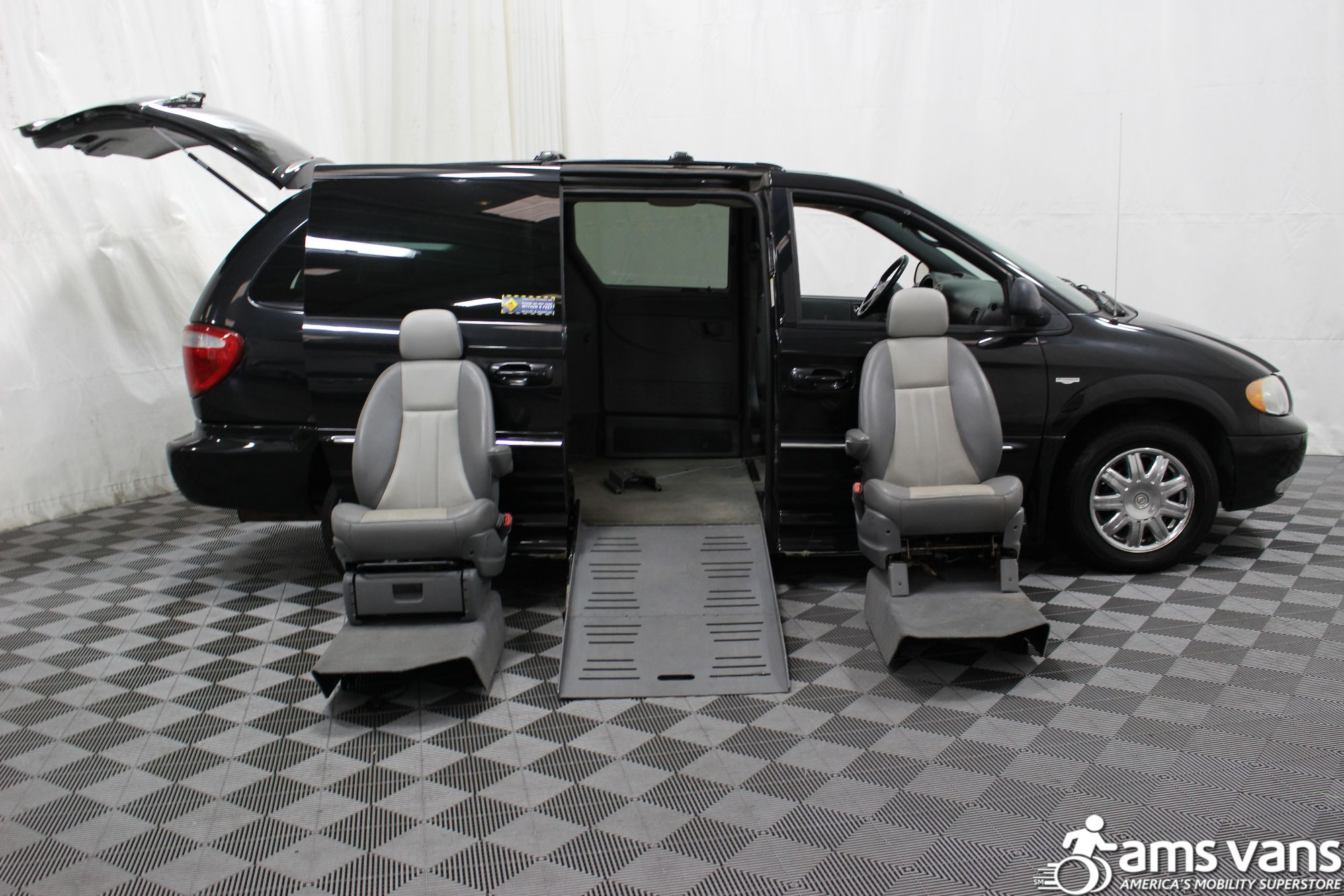 2004 Chrysler Town and Country Touring Wheelchair Van For Sale #13