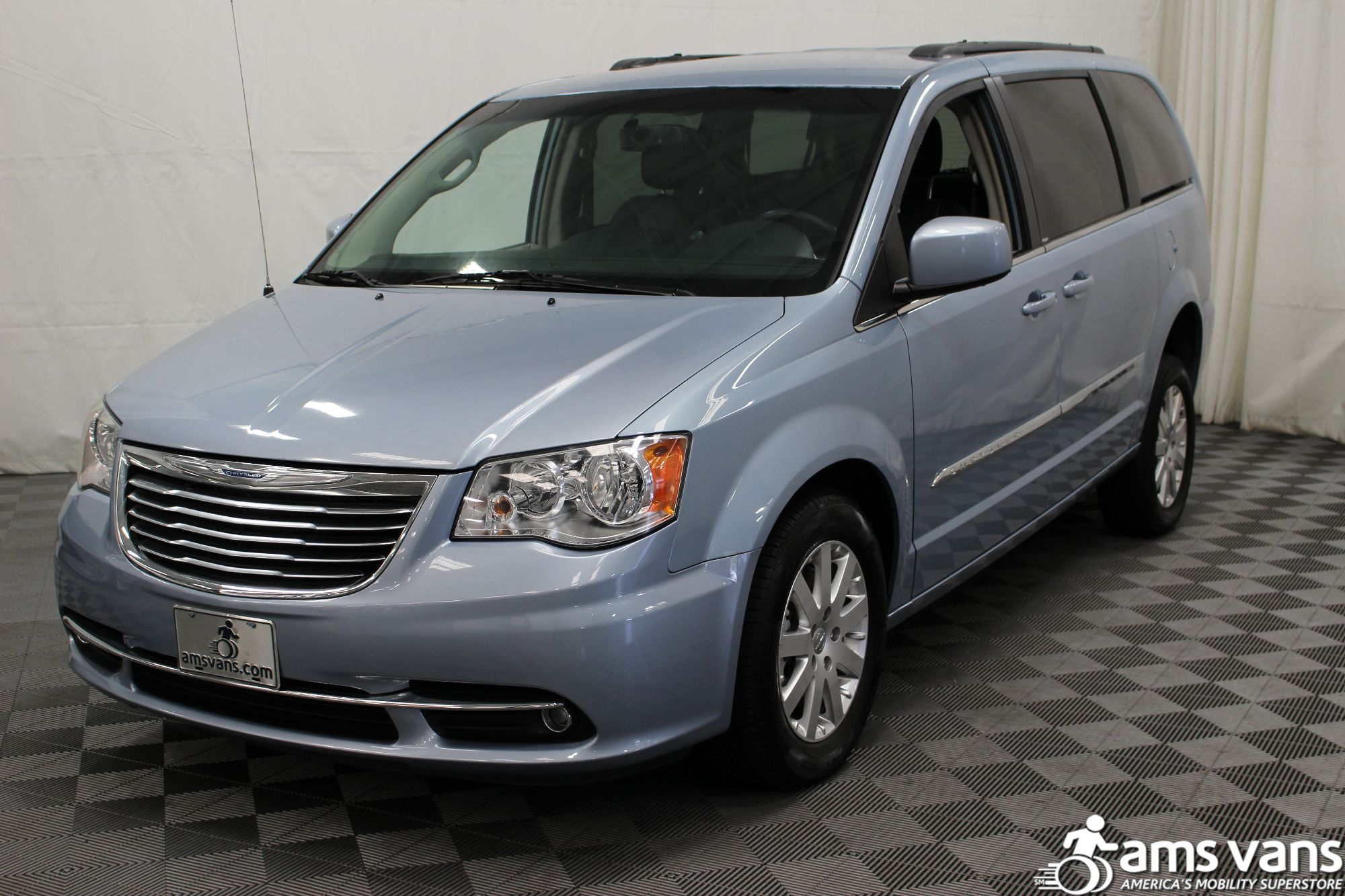 2013 Chrysler Town and Country Touring Wheelchair Van For Sale #15