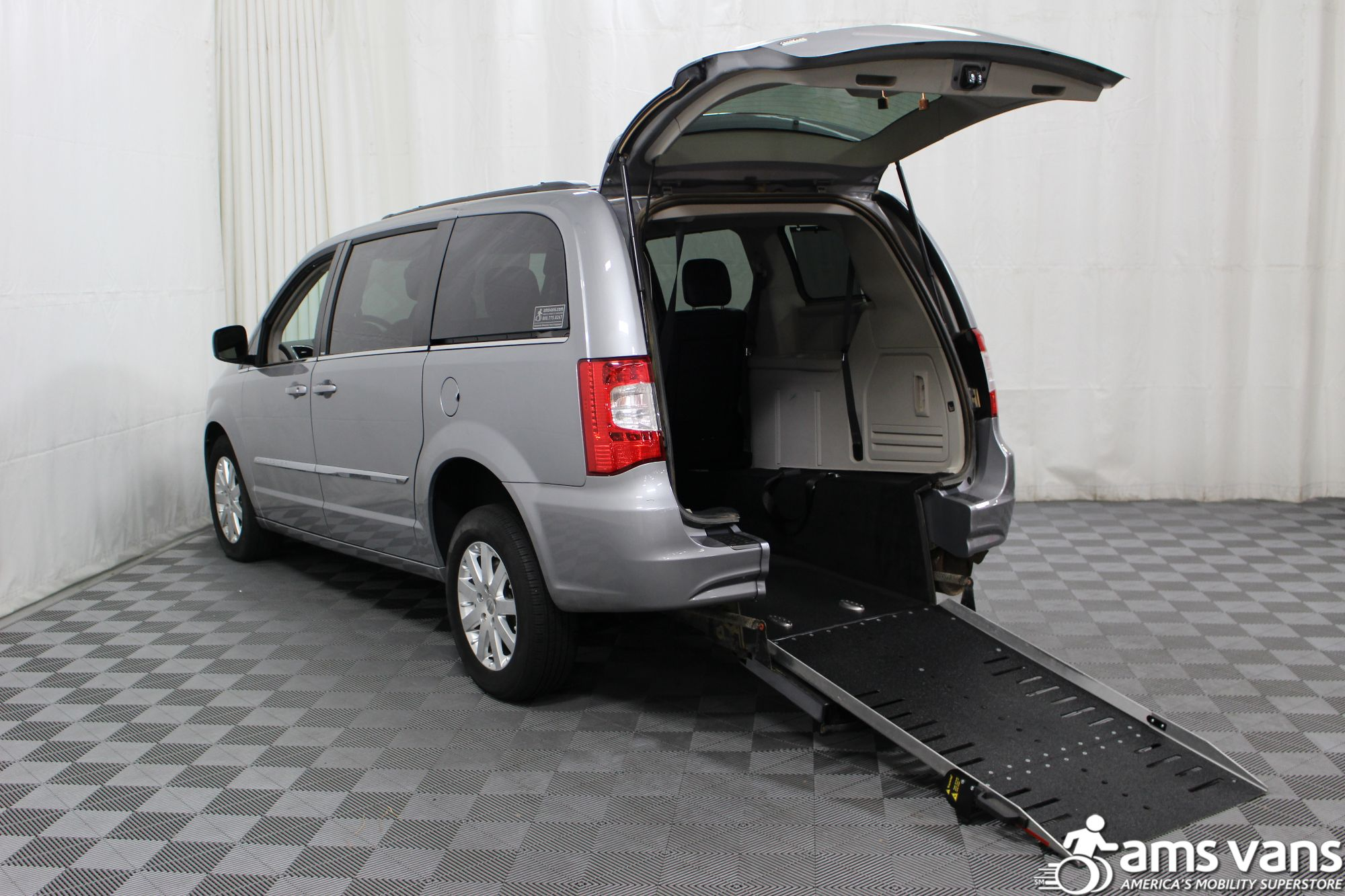 2013 Chrysler Town & Country Touring Wheelchair Van For Sale #2