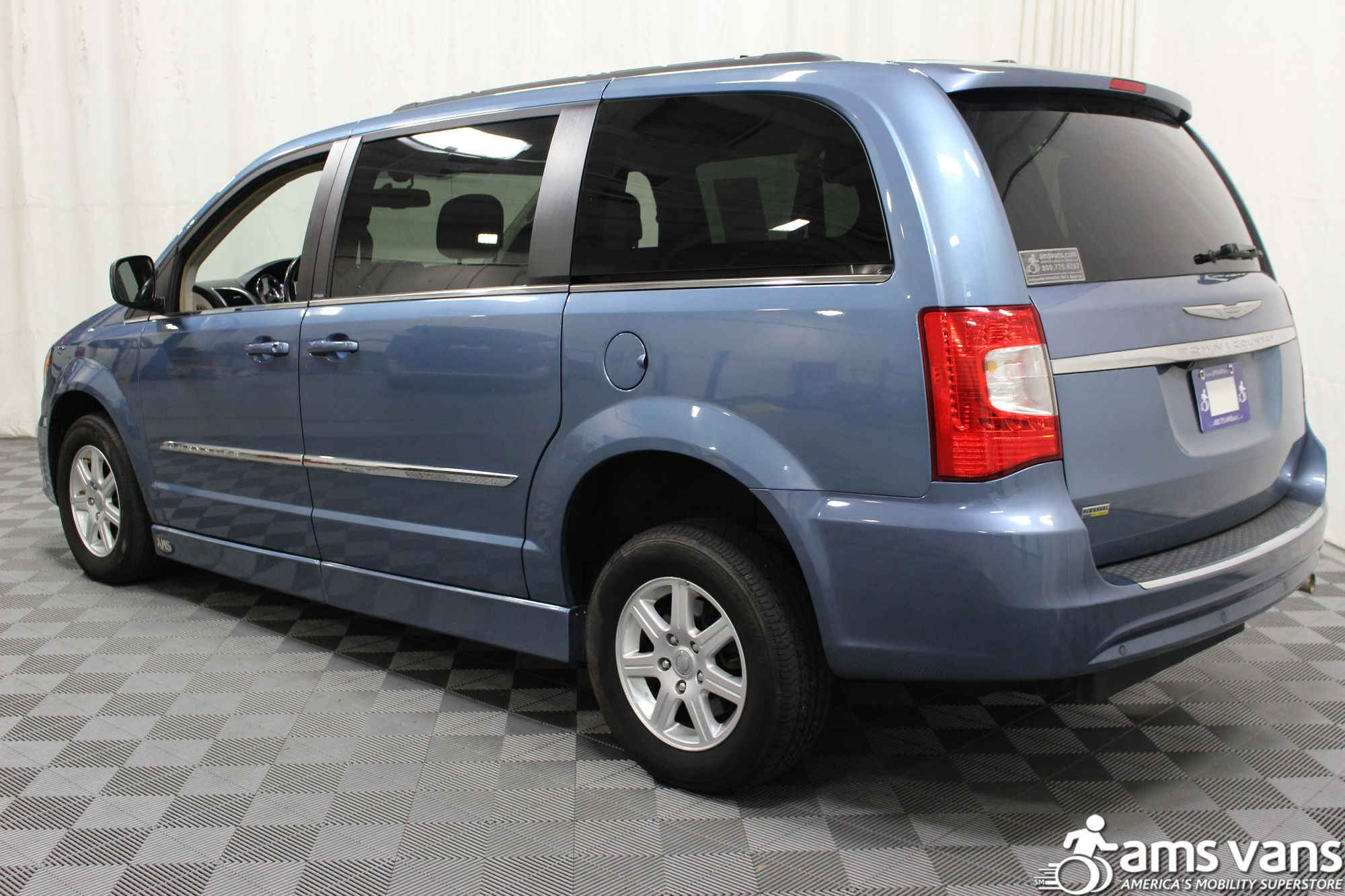 2012 Chrysler Town and Country Touring Wheelchair Van For Sale #15