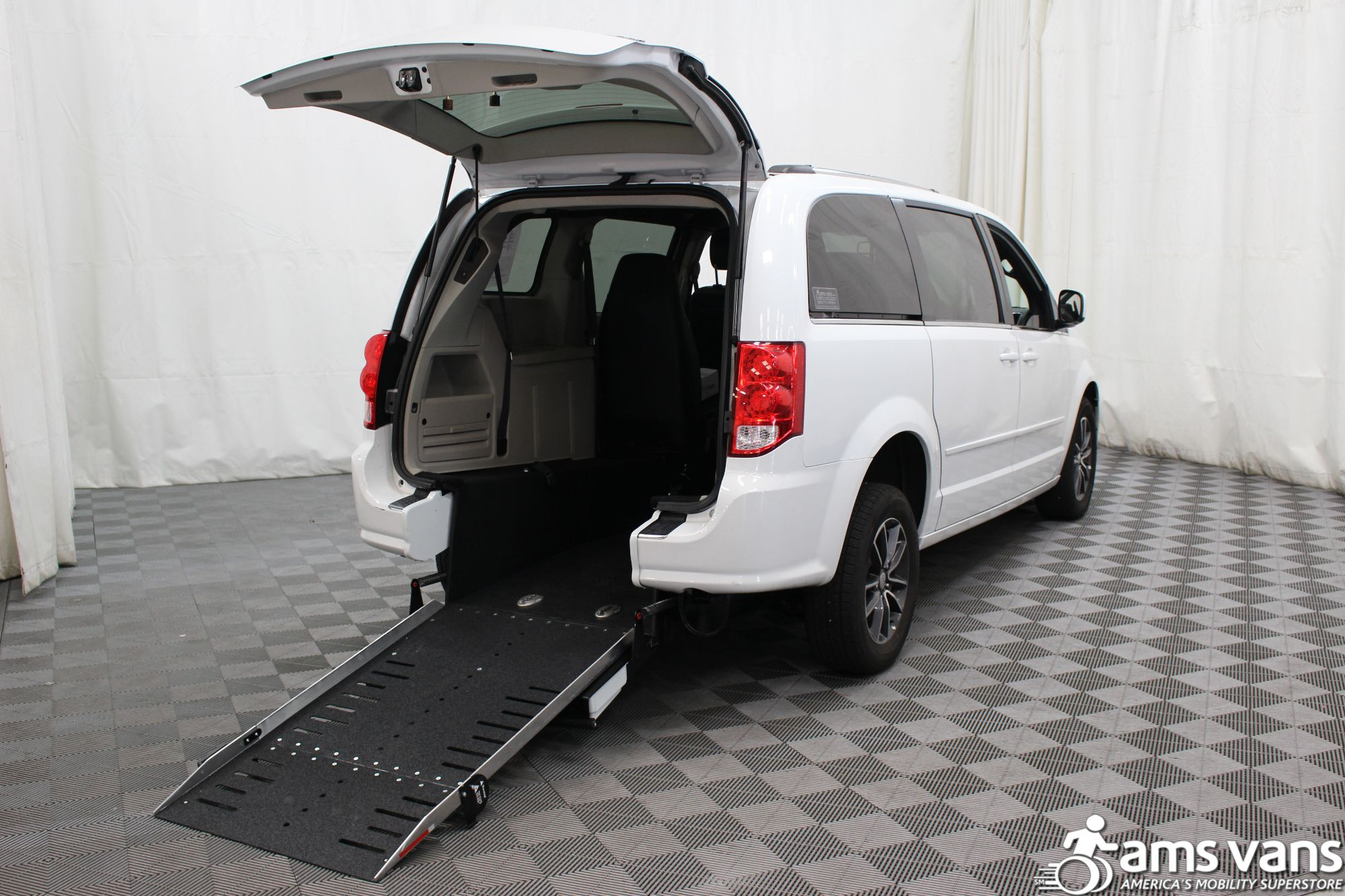 2017 Dodge Grand Caravan SXT Wheelchair Van For Sale 1