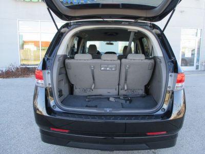 Black Honda Odyssey image number 9