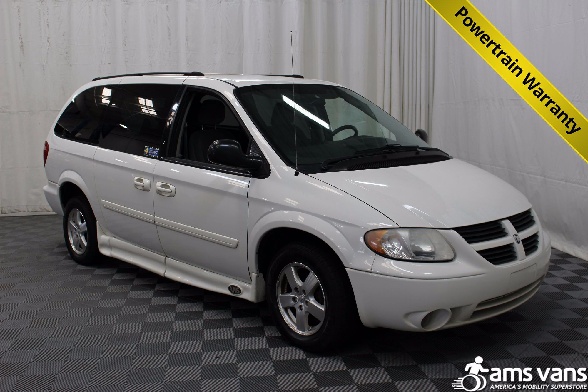 2006 Dodge Grand Caravan SXT Wheelchair Van For Sale #1