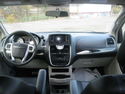 Black Chrysler Town and Country image number 8