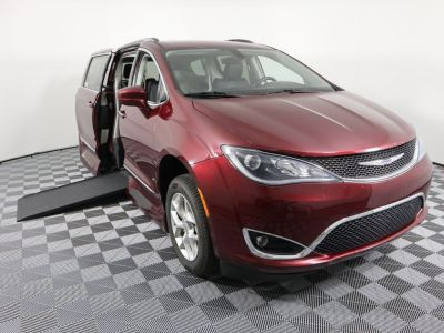 Handicap Van for Sale - 2018 Chrysler Pacifica Touring L Wheelchair Accessible Van VIN: 2C4RC1BG9JR321248