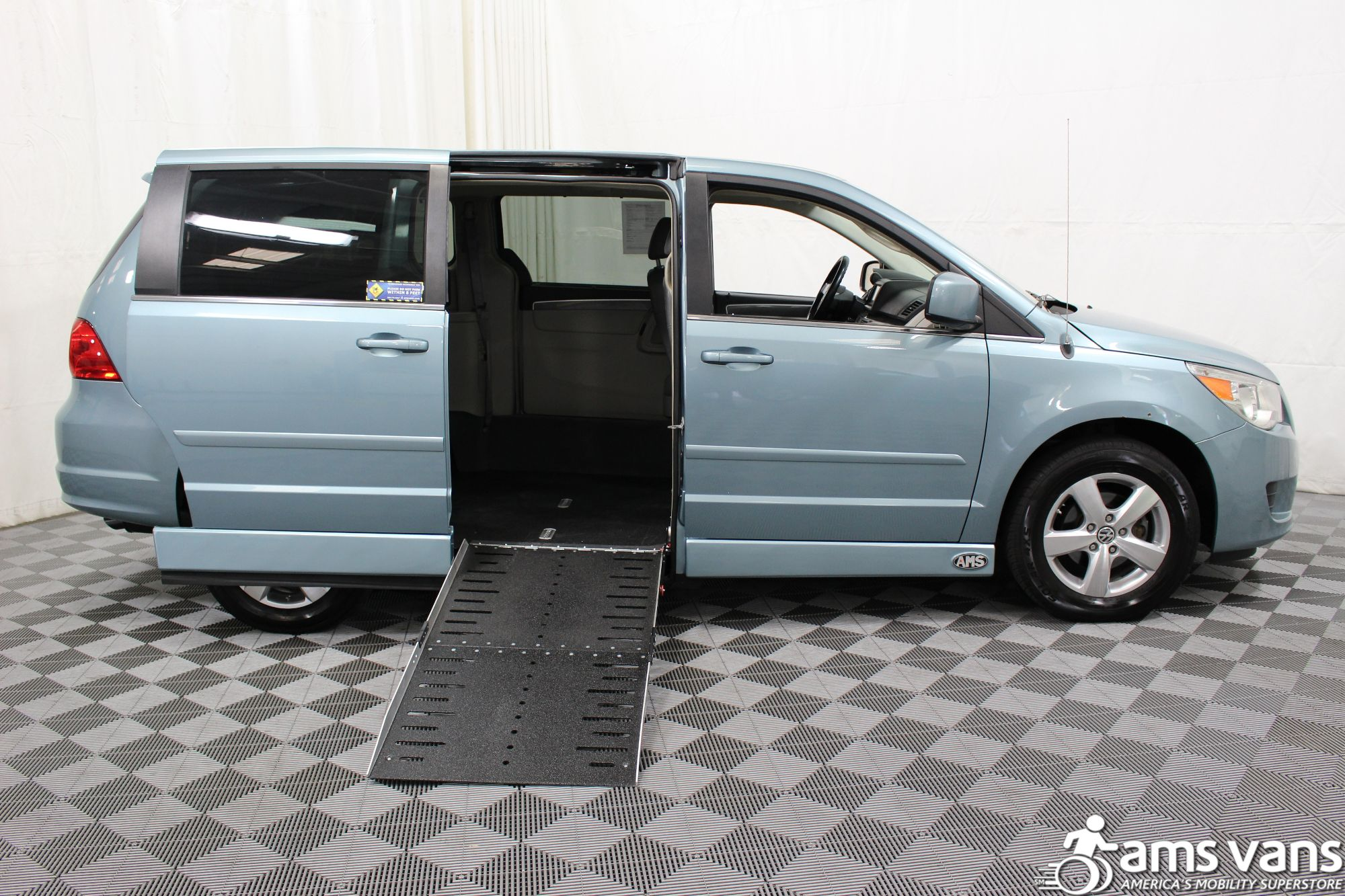 2010 Volkswagen Routan Wheelchair Van For Sale #2