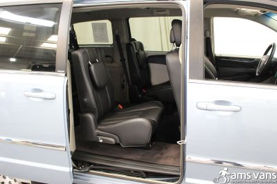 2013 Chrysler Town and Country Wheelchair Van For Sale -- Thumb #8