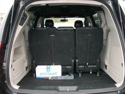Black Dodge Grand Caravan image number 18