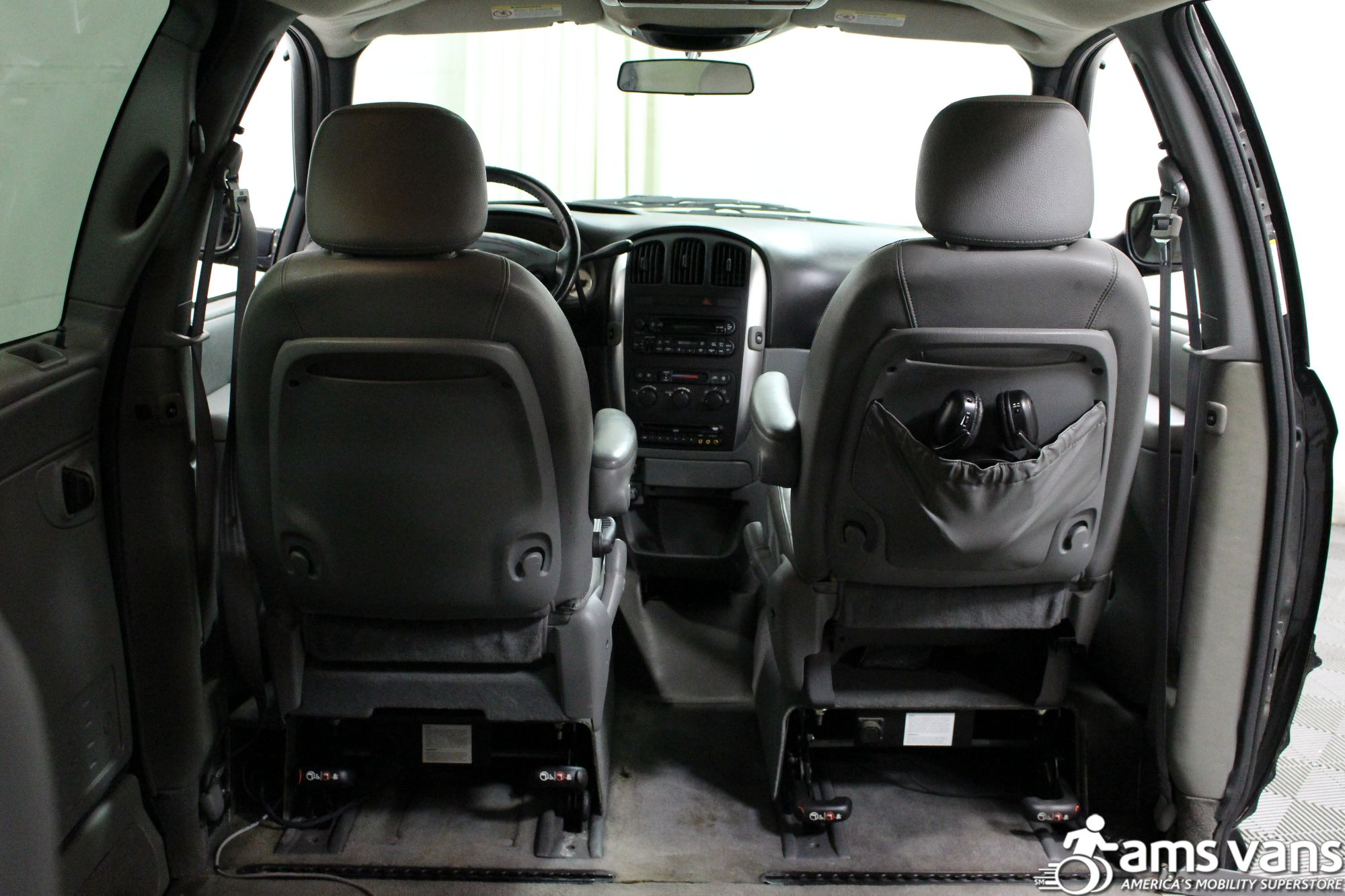 2004 Chrysler Town and Country Touring Wheelchair Van For Sale #7