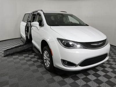 New Wheelchair Van for Sale - 2019 Chrysler Pacifica Touring L Wheelchair Accessible Van VIN: 2C4RC1BG6KR625302