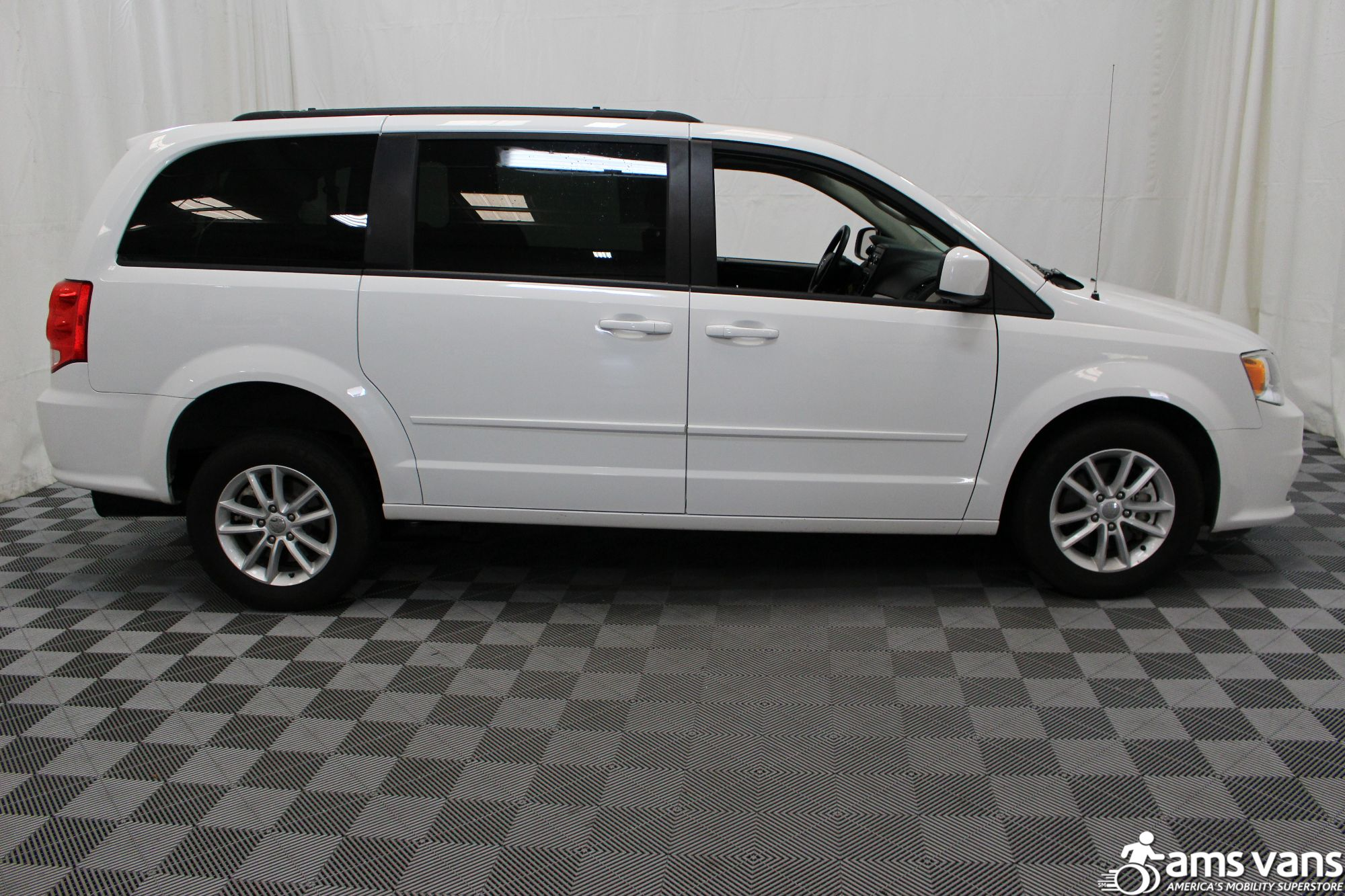 2016 Dodge Grand Caravan SXT Wheelchair Van For Sale #11