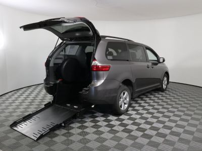 New Wheelchair Van for Sale - 2020 Toyota Sienna LE Wheelchair Accessible Van VIN: 5TDKZ3DCXLS054931