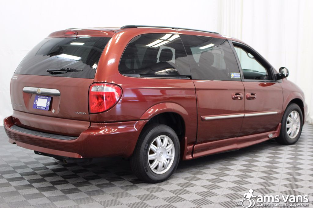 2007 Chrysler Town and Country Touring Wheelchair Van For Sale #11