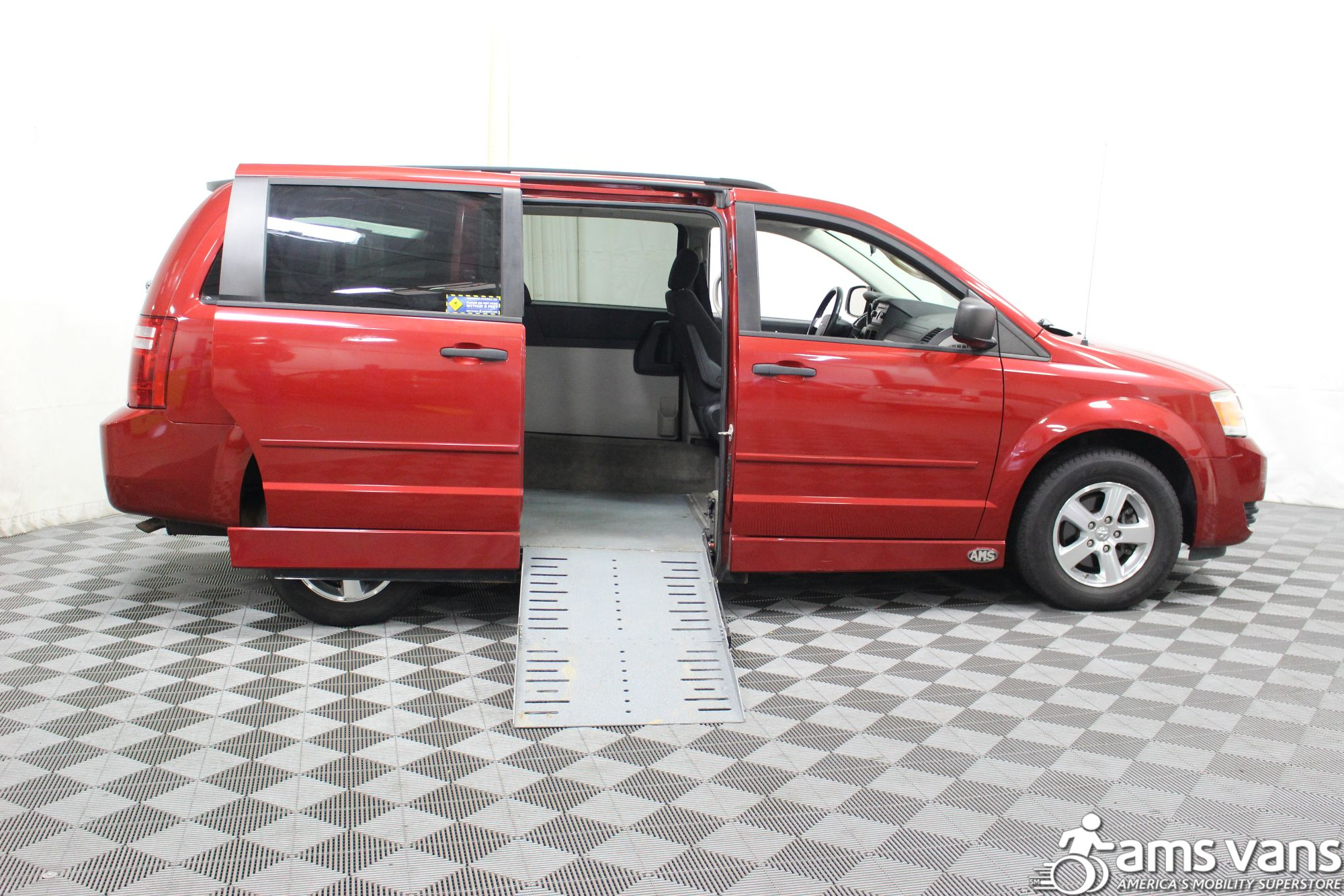 2008 Dodge Grand Caravan SE Wheelchair Van For Sale 1