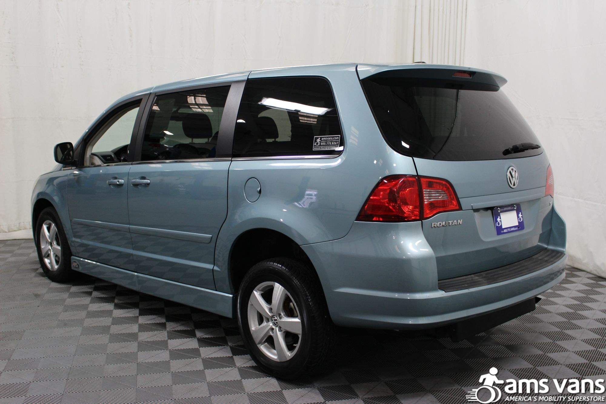 2010 Volkswagen Routan Wheelchair Van For Sale #15