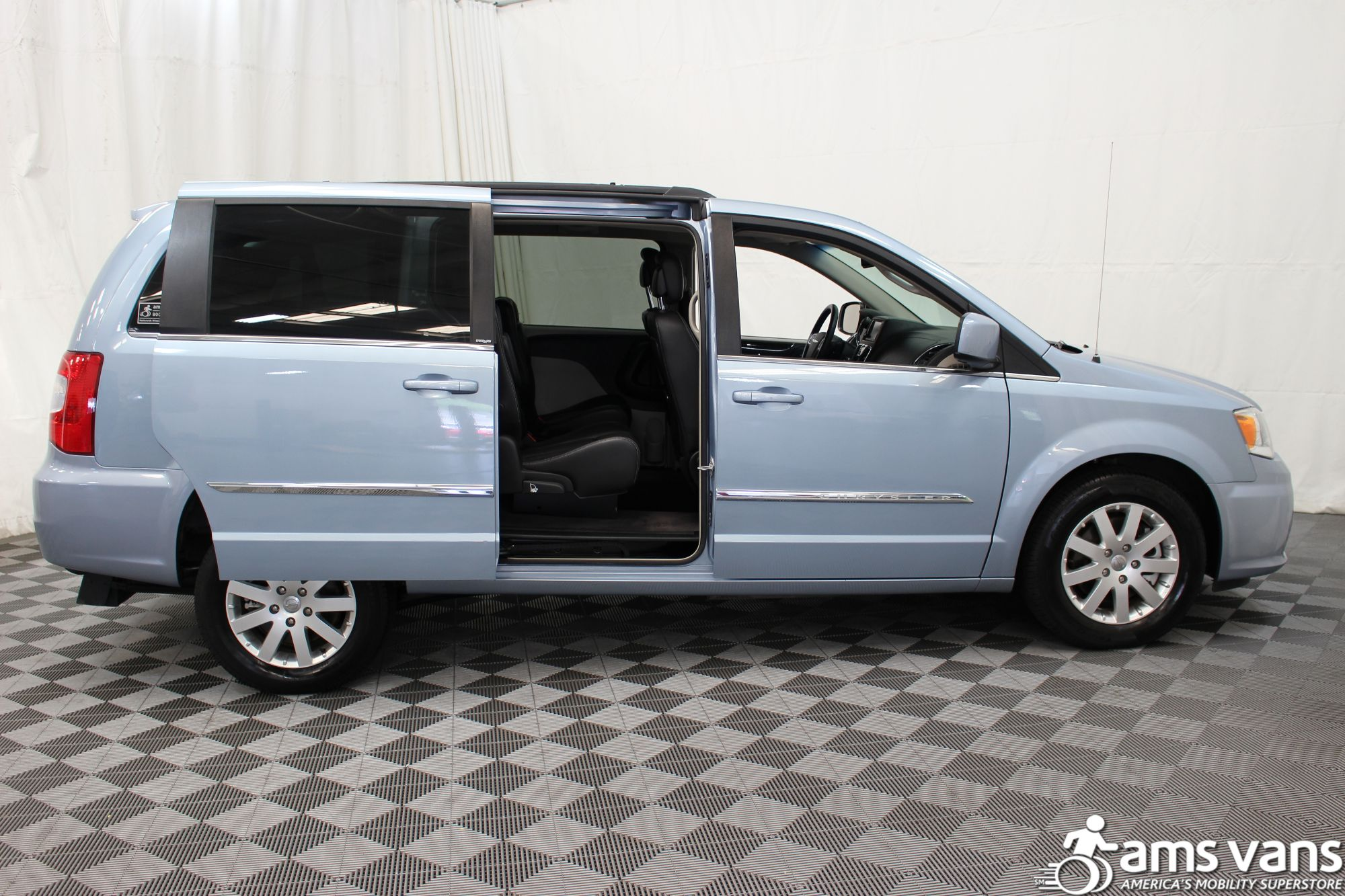 2013 Chrysler Town and Country Touring Wheelchair Van For Sale #7