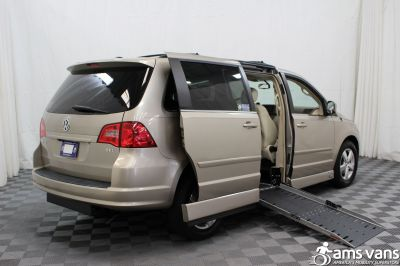 2009 Volkswagen Routan Wheelchair Van For Sale -- Thumb #3
