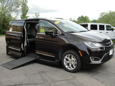 DARK MAROON Chrysler Pacifica with Side Entry Automatic In Floor ramp