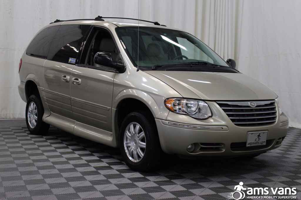 2005 Chrysler Town and Country Touring Wheelchair Van For Sale #12