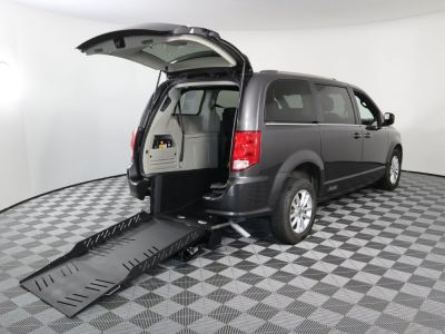 Commercial Wheelchair Vans for Sale - 2019 Dodge Grand Caravan SXT ADA Compliant Vehicle VIN: 2C4RDGCG8KR662060