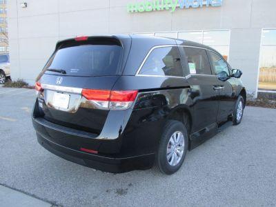 Black Honda Odyssey image number 10