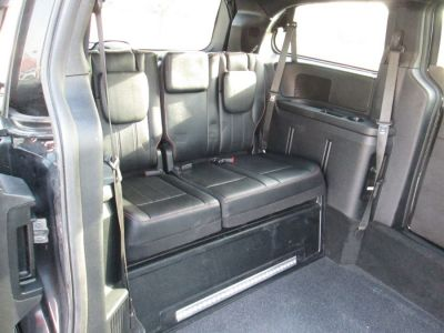 Black Dodge Grand Caravan image number 13