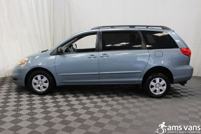 2007 Toyota Sienna Wheelchair Van For Sale -- Thumb #12