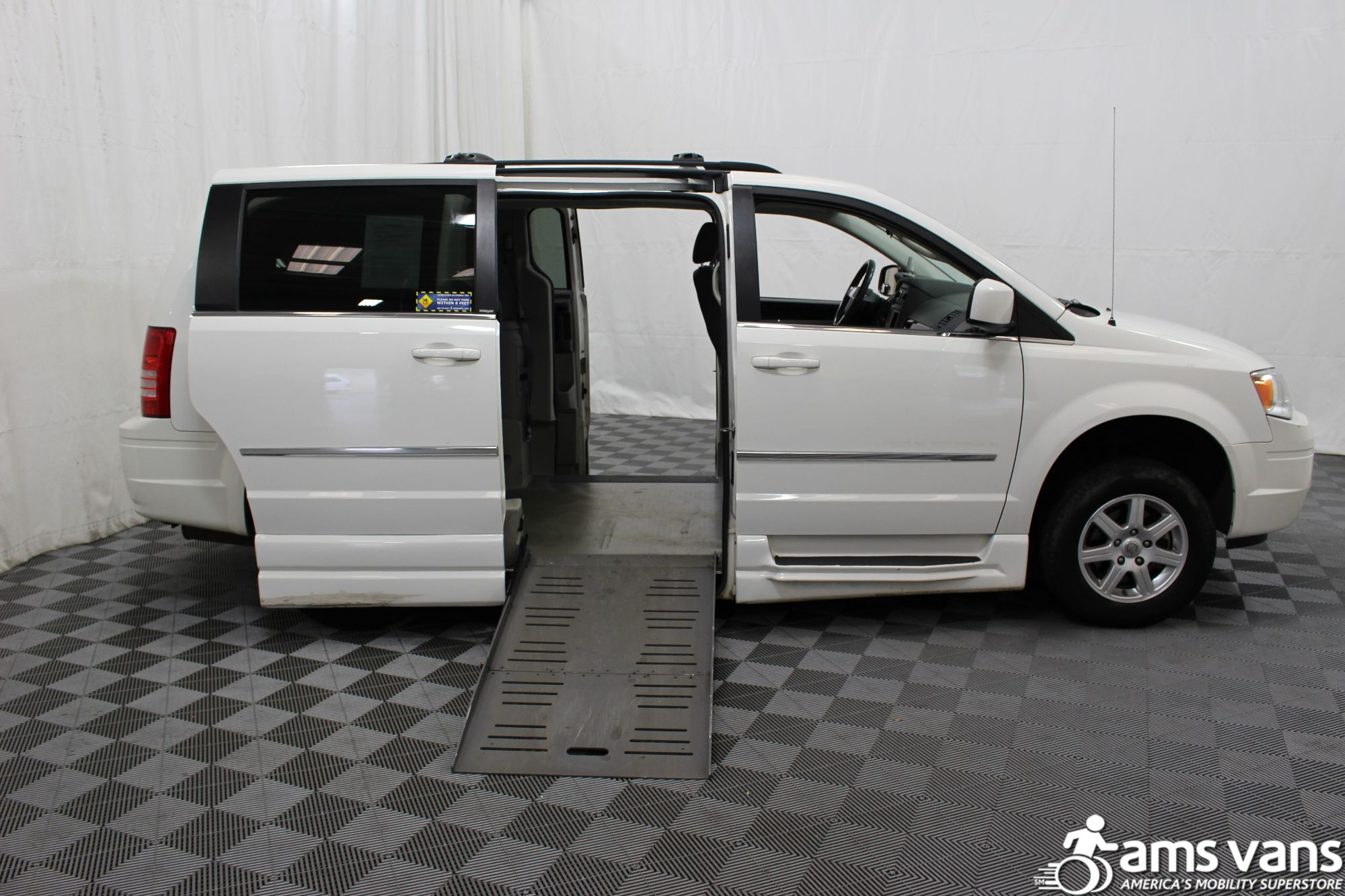 2010 Chrysler Town and Country Touring Wheelchair Van For Sale #2
