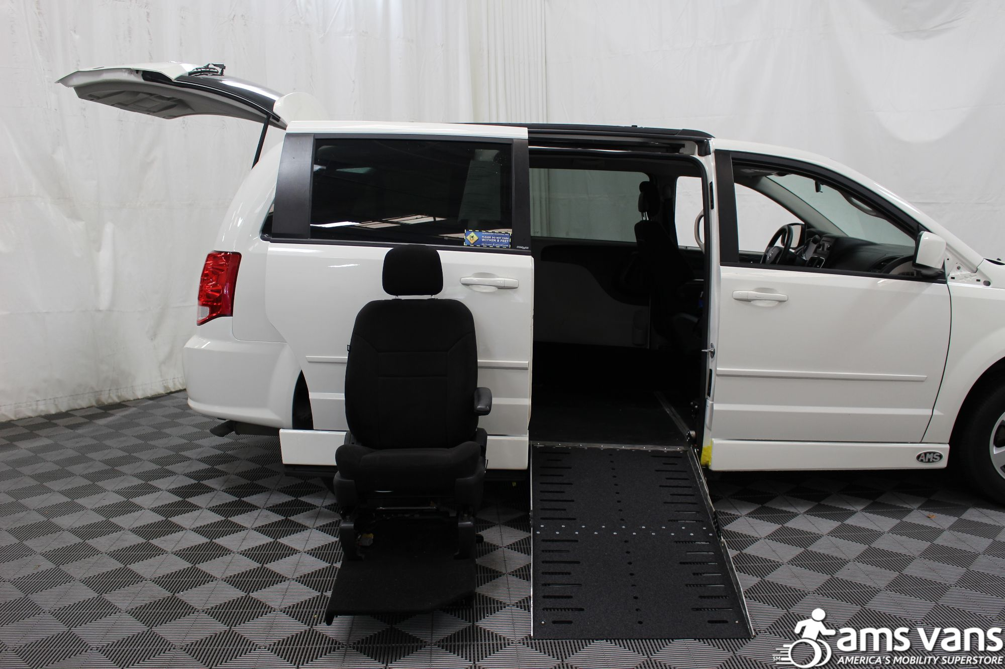 2012 Dodge Grand Caravan SXT Wheelchair Van For Sale #7