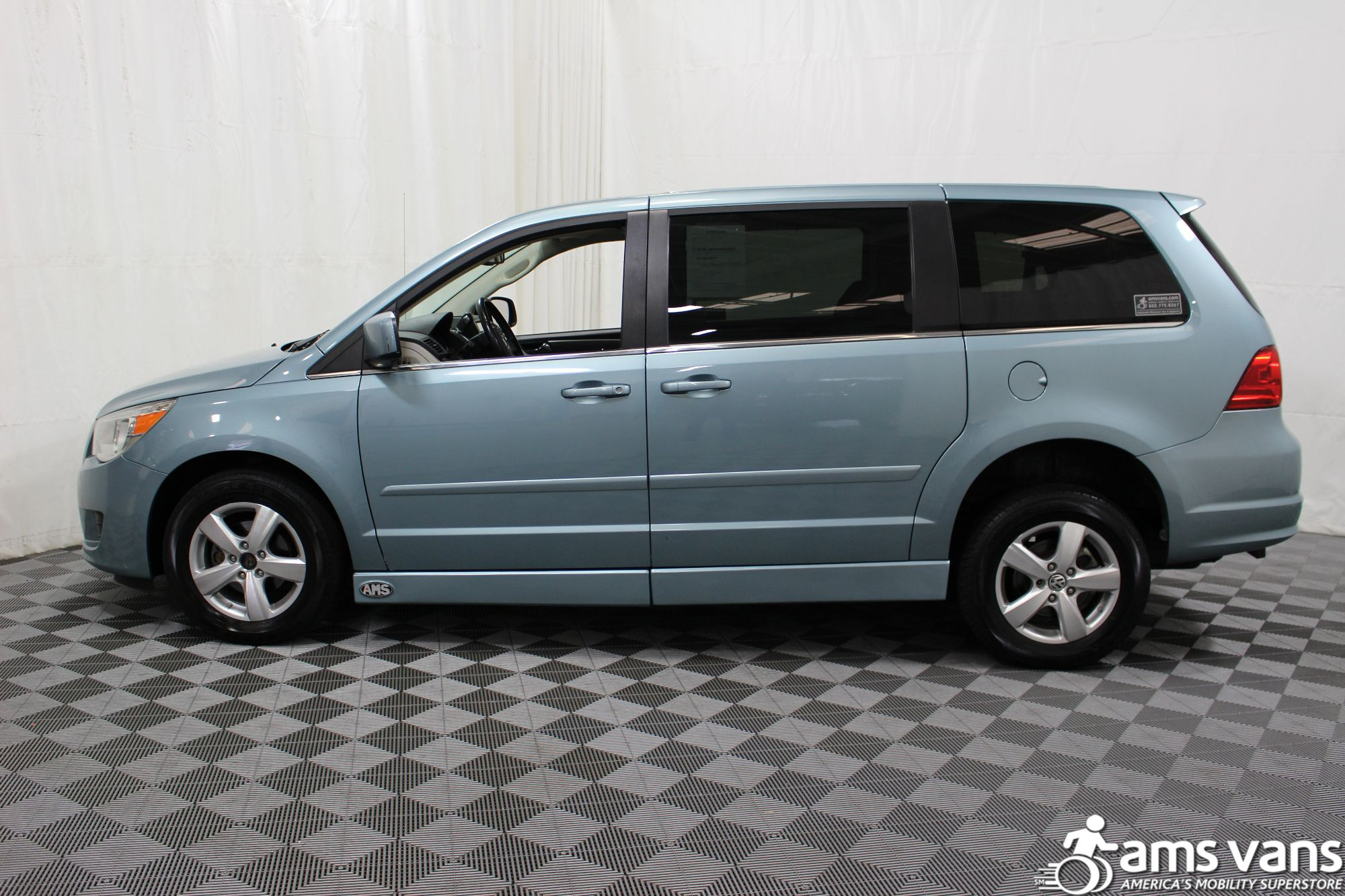2010 Volkswagen Routan Wheelchair Van For Sale #16
