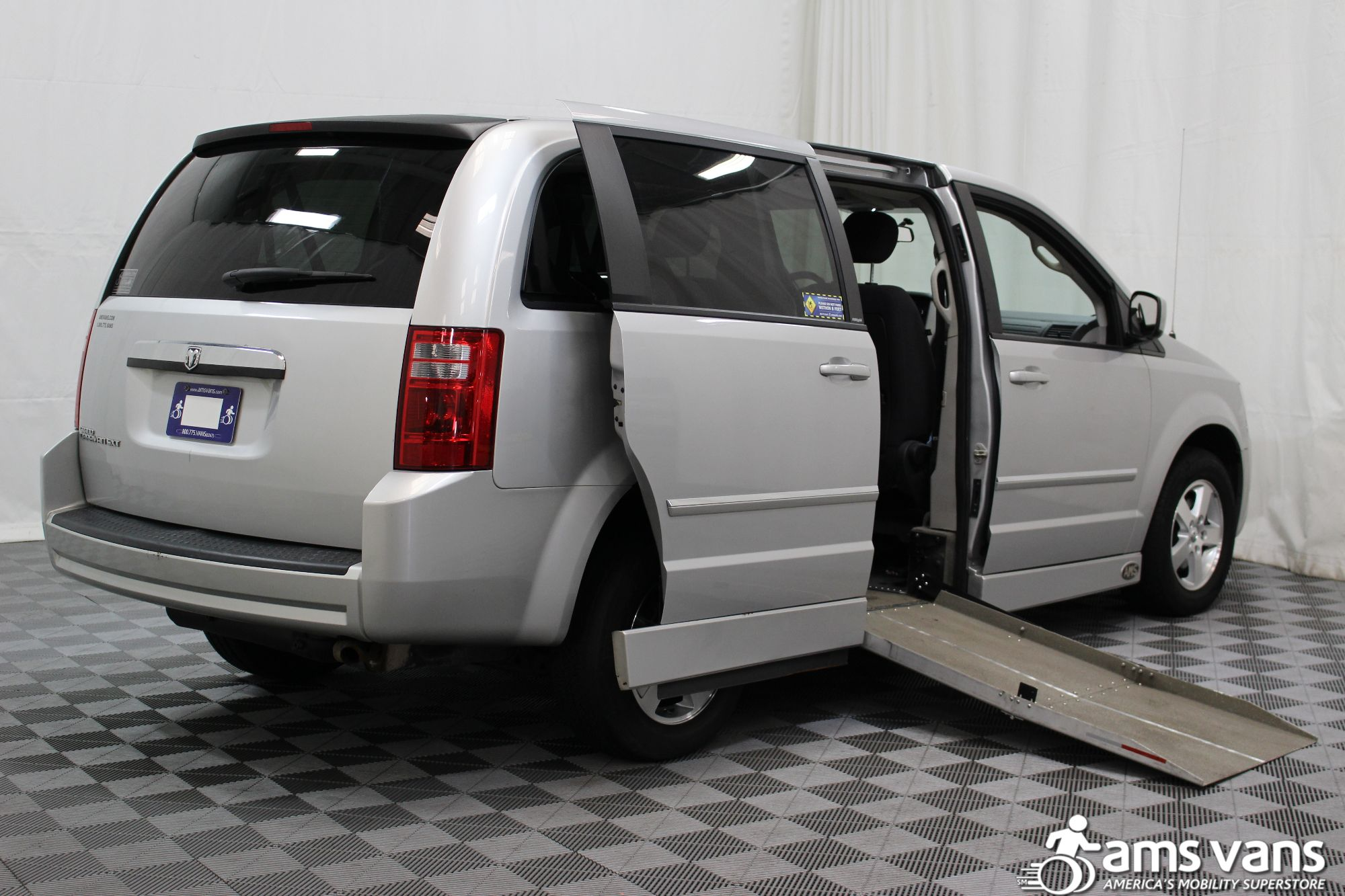 2008 Dodge Grand Caravan SXT Wheelchair Van For Sale #3