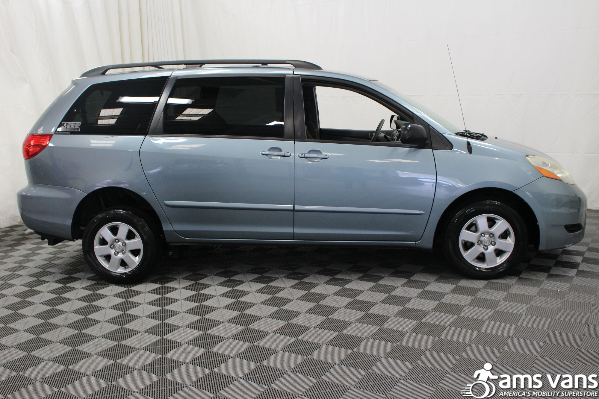 2007 Toyota Sienna LE Wheelchair Van For Sale #8