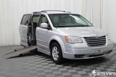 2008 Chrysler Town & Country Wheelchair Van For Sale