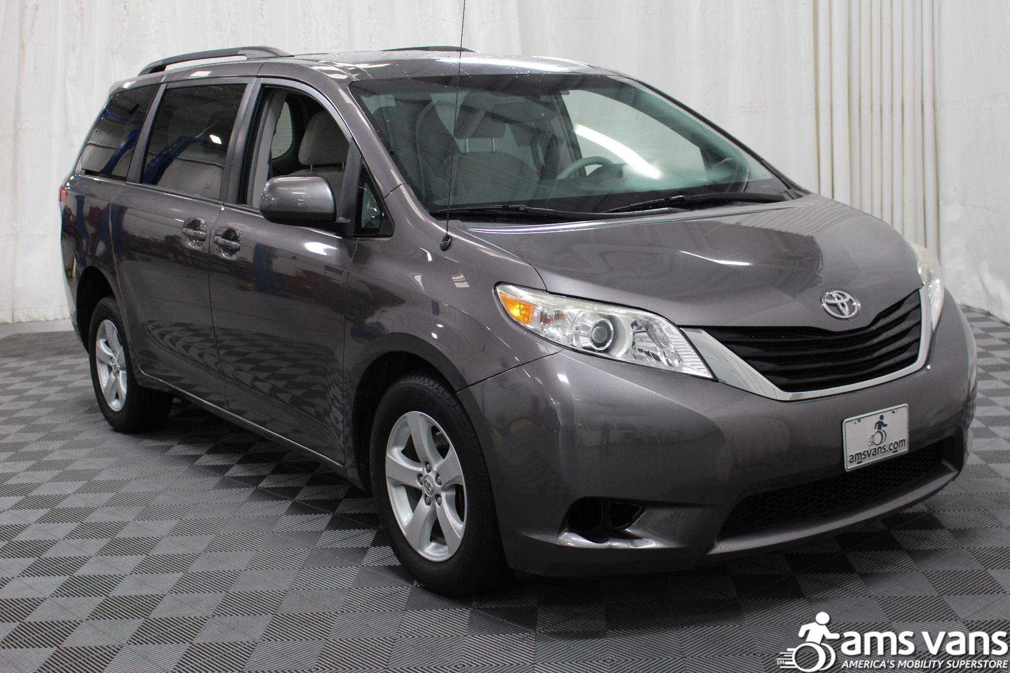 2011 Toyota Sienna LE Wheelchair Van For Sale #9