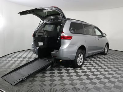 Commercial Wheelchair Vans for Sale - 2015 Toyota Sienna LE 8-Passenger ADA Compliant Vehicle VIN: 5TDKK3DC2FS585808