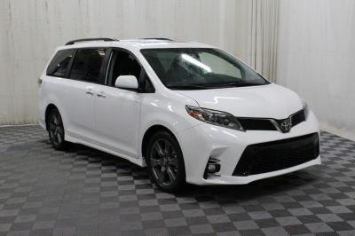 Commercial Wheelchair Vans for Sale - 2019 Toyota Sienna SE Premium ADA Compliant Vehicle VIN: 5TDXZ3DC8KS980894