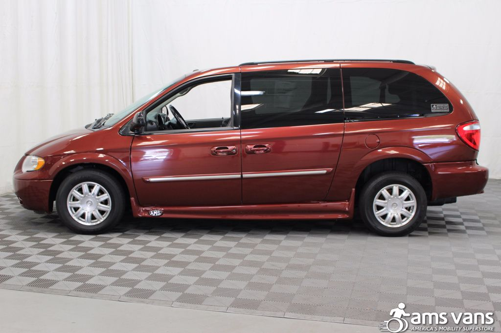 2007 Chrysler Town and Country Touring Wheelchair Van For Sale #14