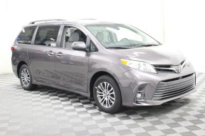 Commercial Wheelchair Vans for Sale - 2019 Toyota Sienna XLE ADA Compliant Vehicle VIN: 5TDYZ3DC8KS985341