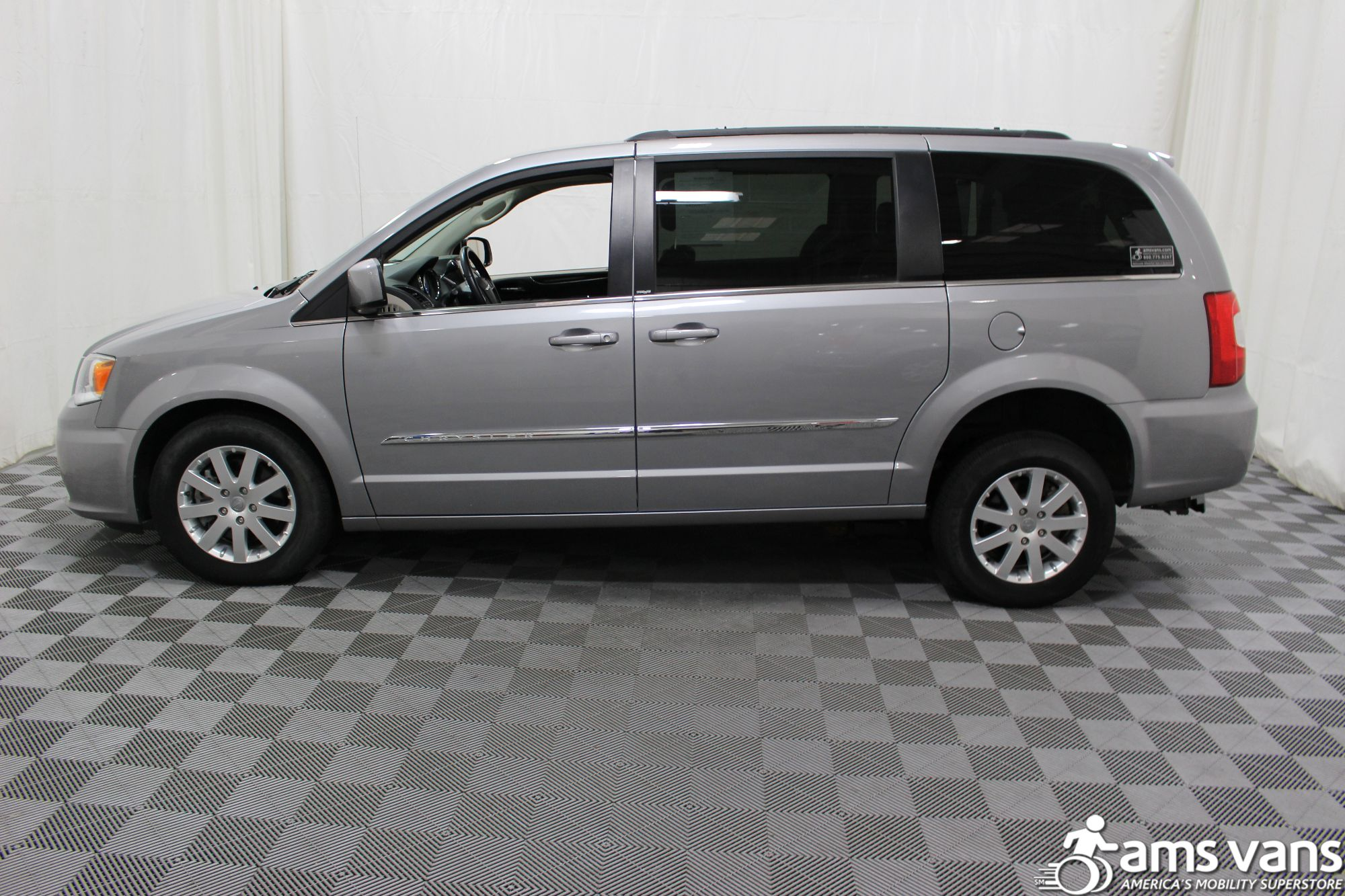 2013 Chrysler Town & Country Touring Wheelchair Van For Sale #17
