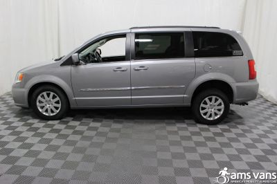 2013 Chrysler Town & Country Wheelchair Van For Sale -- Thumb #17