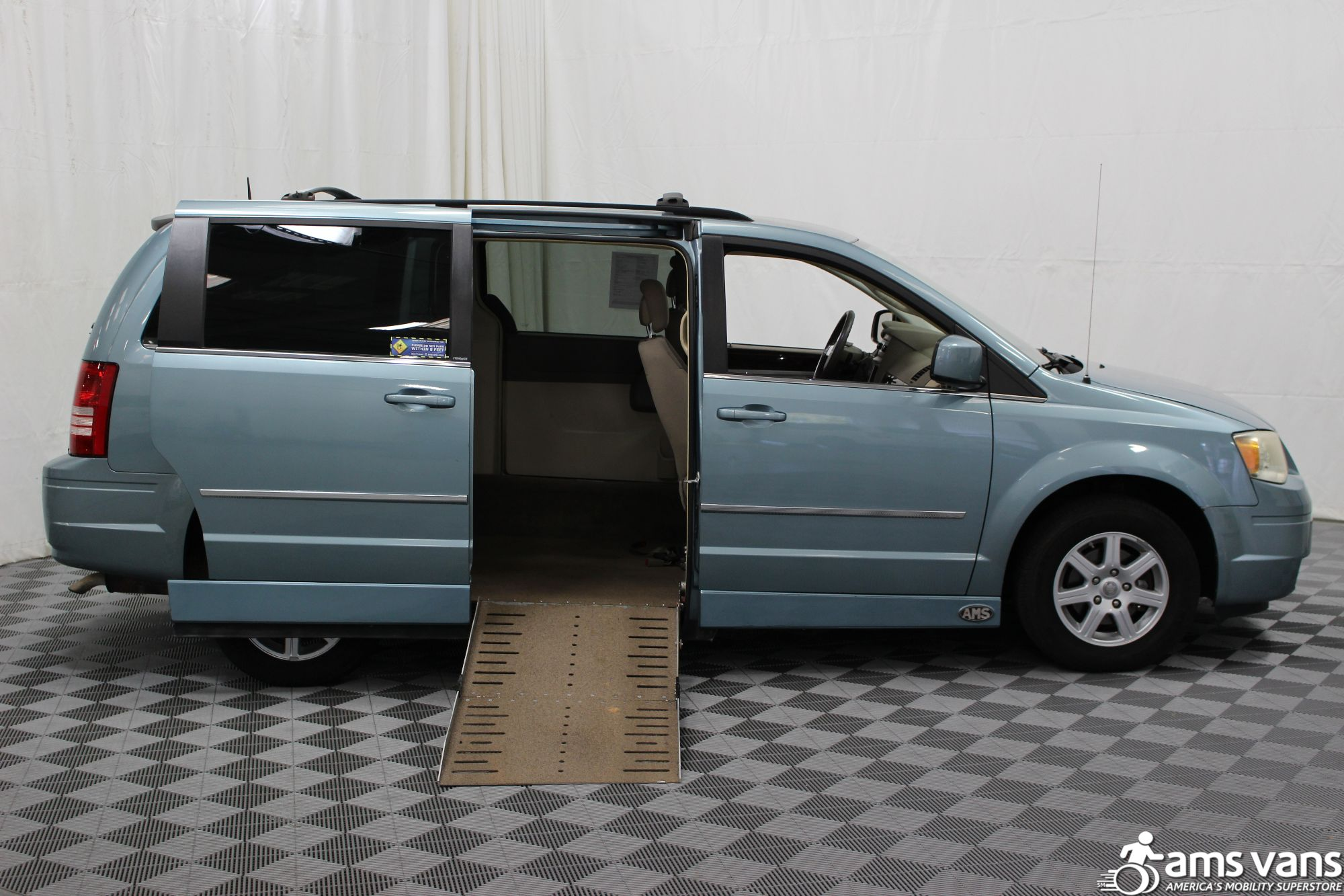 2010 Chrysler Town and Country Wheelchair Van For Sale #2