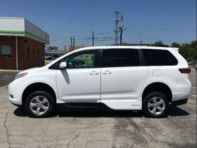 Wheelchair Van - New/Used 2017 Toyota Sienna HS803183 - MobilityWorks