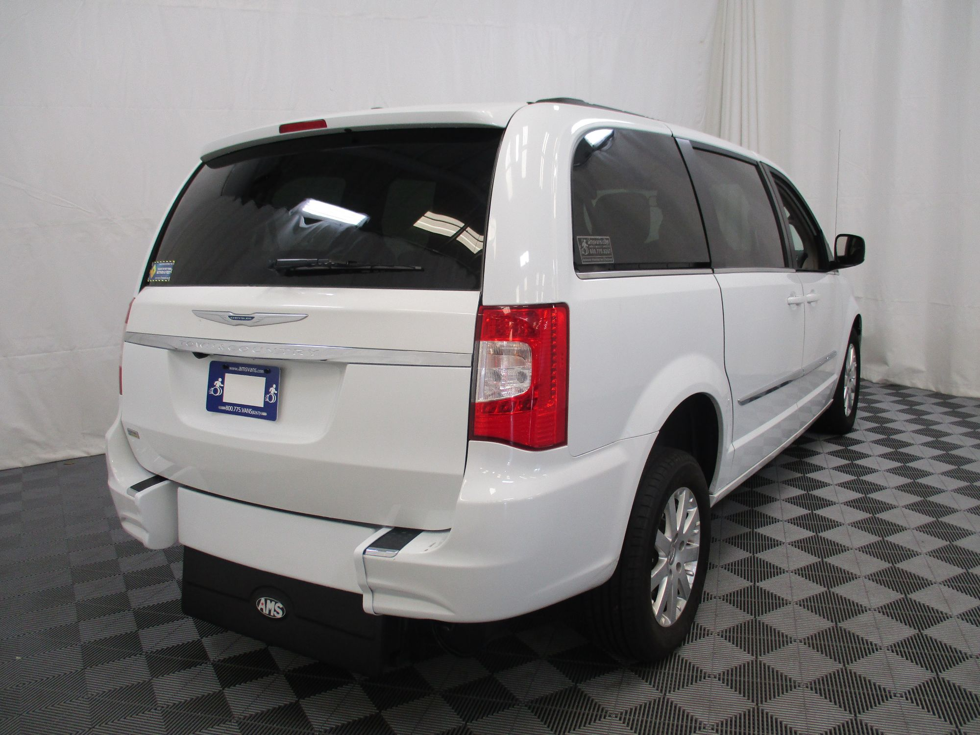 2015 Chrysler Town and Country Touring Wheelchair Van For Sale #12