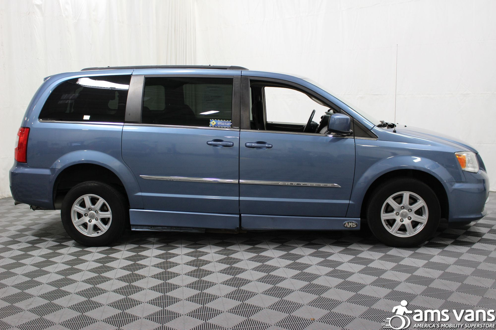 2012 Chrysler Town and Country Touring Wheelchair Van For Sale #12