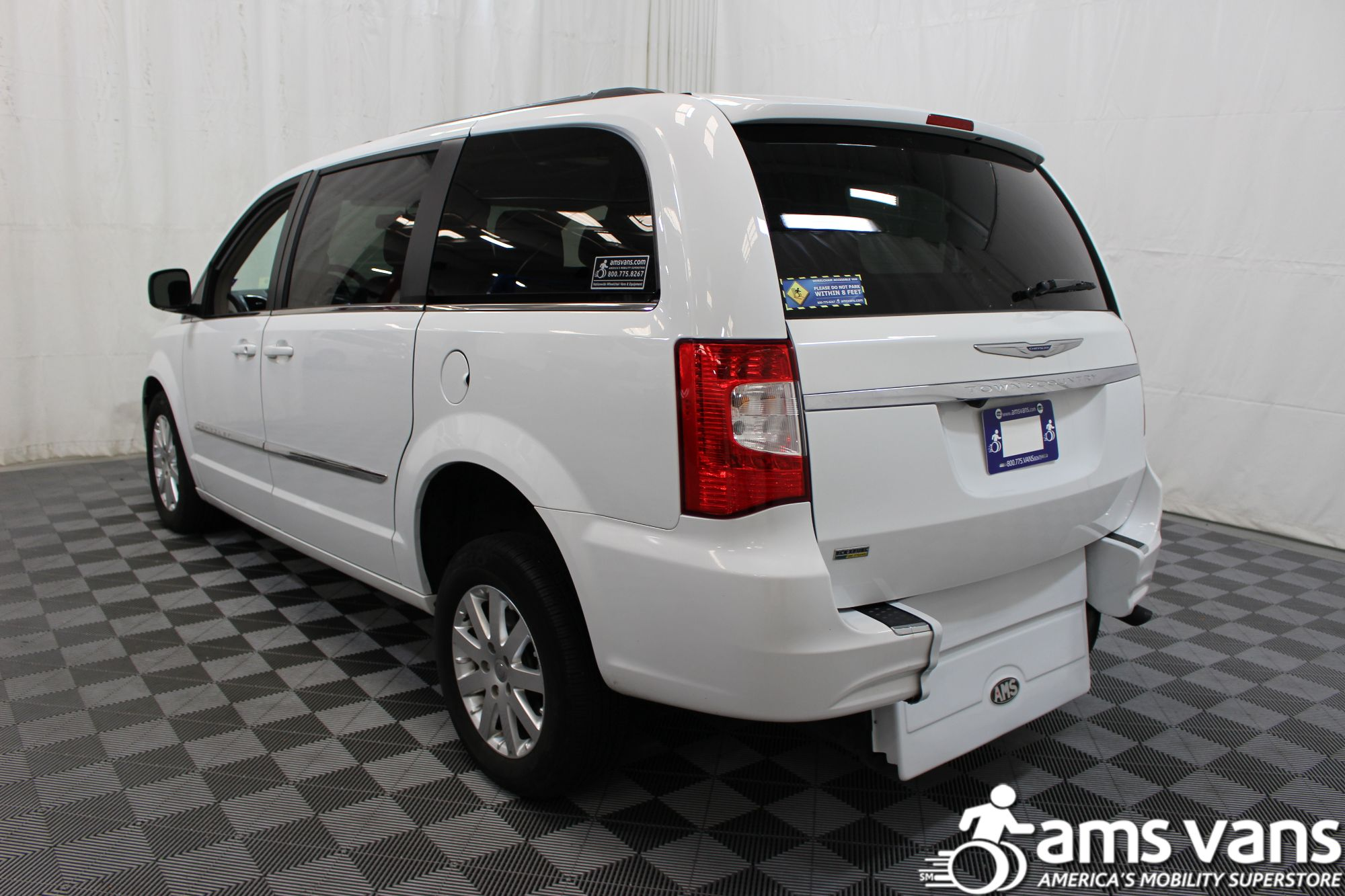2014 Chrysler Town and Country Touring Wheelchair Van For Sale #14