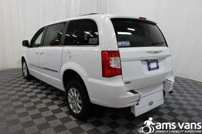 2014 Chrysler Town and Country Wheelchair Van For Sale -- Thumb #14