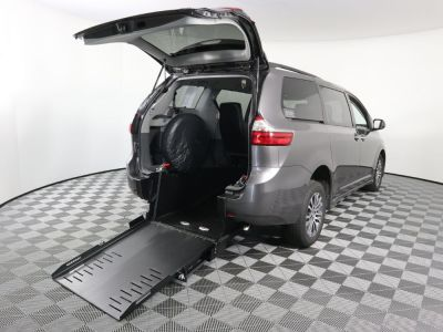 Commercial Wheelchair Vans for Sale - 2020 Toyota Sienna XLE ADA Compliant Vehicle VIN: 5TDYZ3DC6LS036517