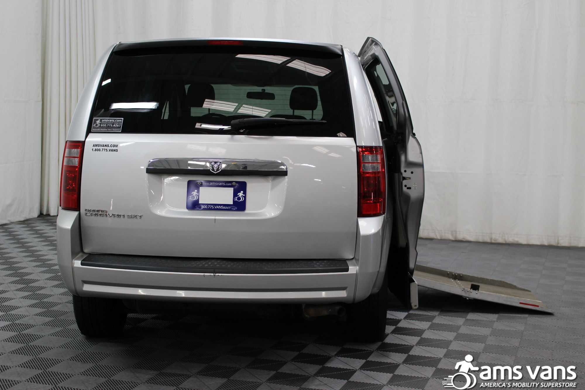 2008 Dodge Grand Caravan SXT Wheelchair Van For Sale #4